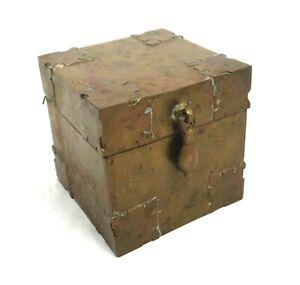 Antique-Brass-Hammered-Arts-and-Crafts-Trinket-Box-Ornate