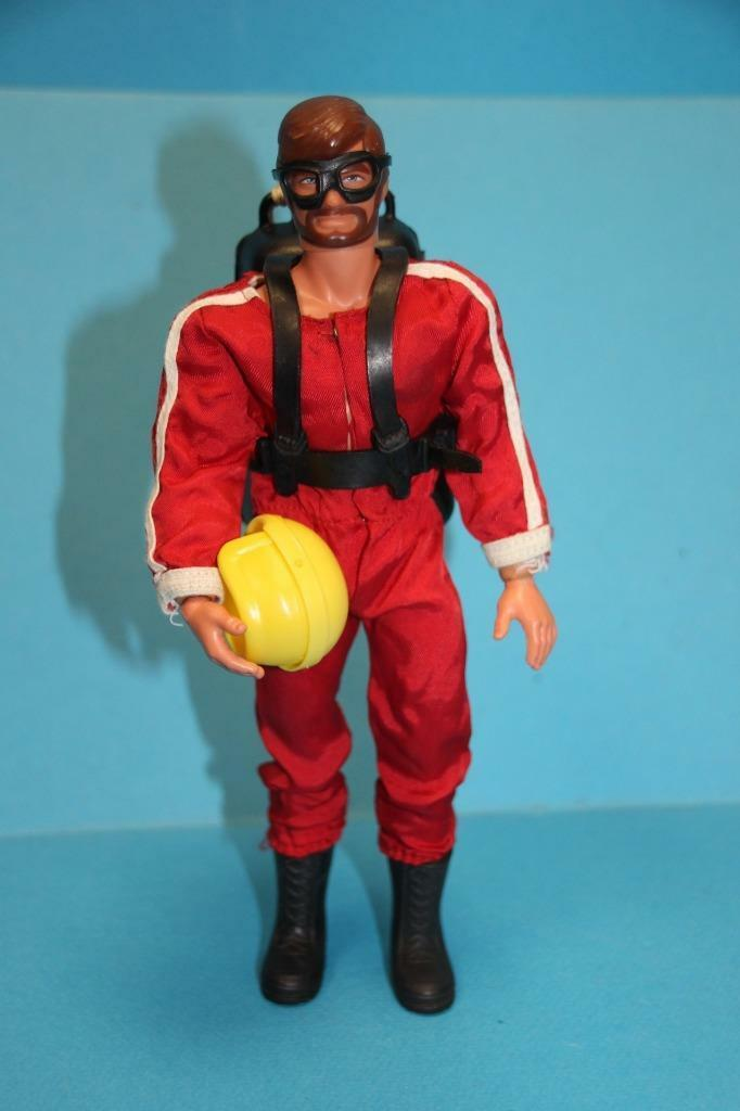 Vintage Big Jim doll figure BIG JOSH in Darossoevil Skyjump outfit para set