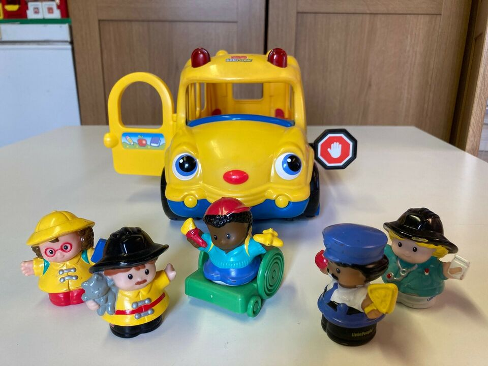 Little people, Bus, 12 til 23 måneder