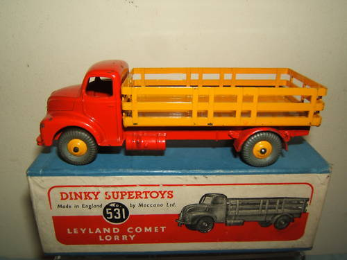 Dinky Toys Modelo No.531 No.531 No.531 Leyland Comet Camión + Estaca cuerpo VN MIB 43d611