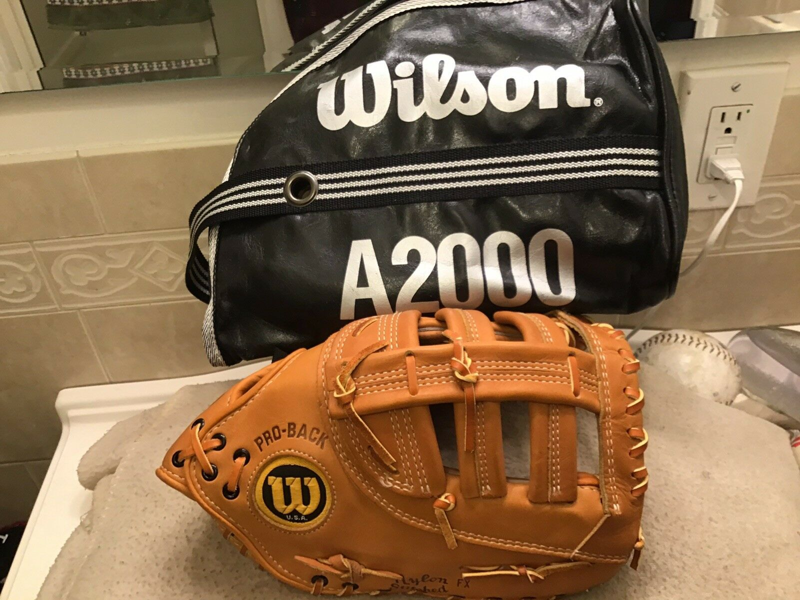 Wilson usa A2800 12.75  béisbol First Base Mitt & Bolsa De Mano derecha lanzando