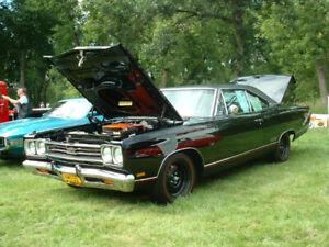 1969 PLYMOUTH GTX 426 HEMI 4SPD 33,000 mile #s MATCHING CAR RARE