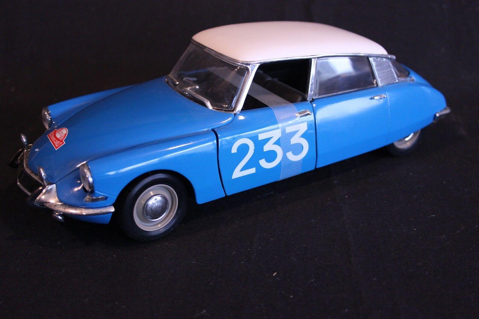 Solido Citroën DS 19 1963 1 18  233 Toivonen   Anssi Rally Monte voiturelo 1963 (AK)