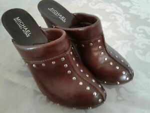 Michael-Kors-Brown-Womens-6-5-M-Leather-Studded-Clogs-Shoes-4-034-Mule-Wooden-Sole