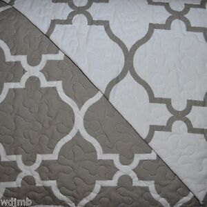 Max Studio Grey White Geometric Trellis Quatrefoil Full