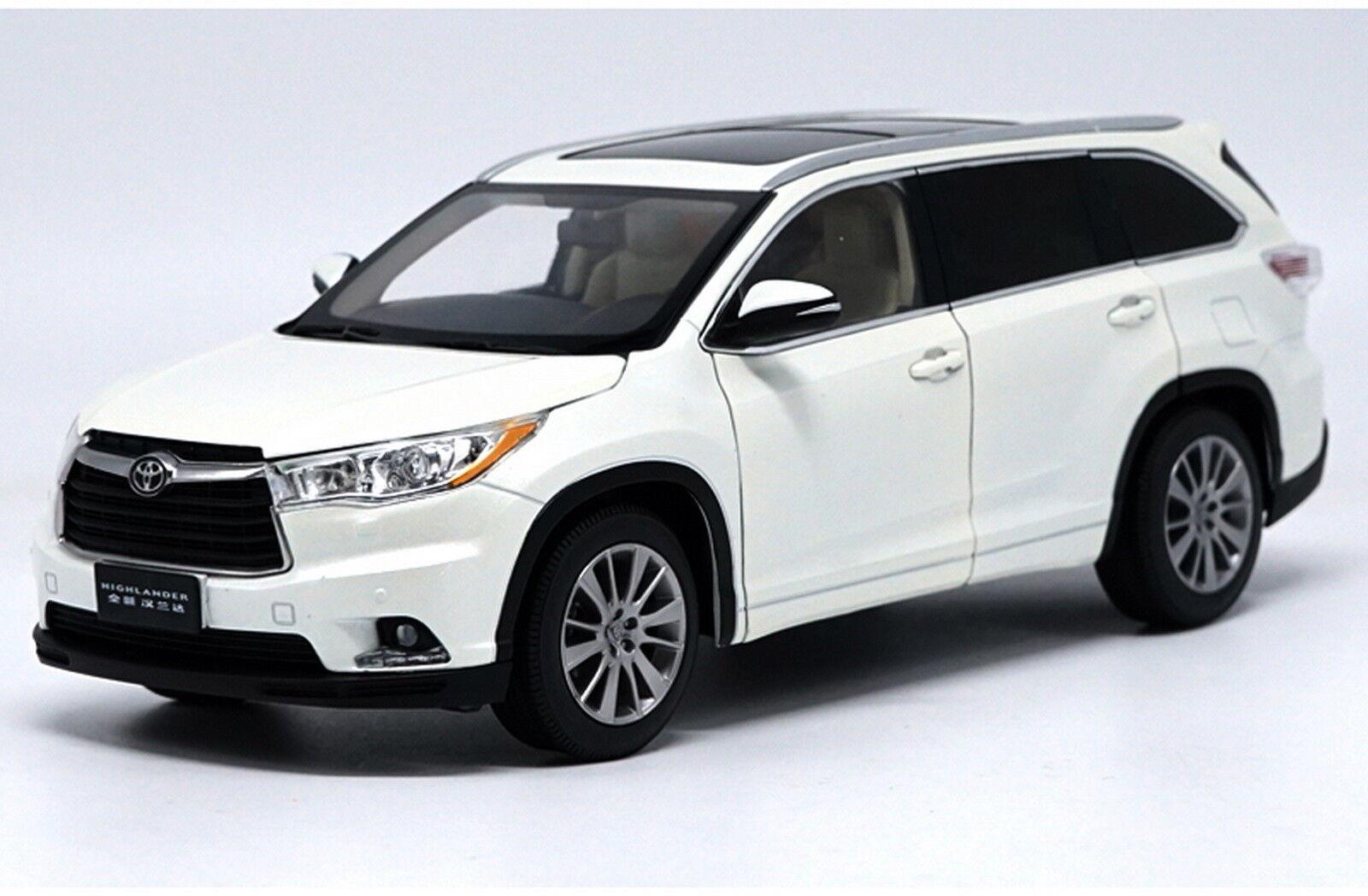 1 18 Scale Toyota Highlander 2015 White Diecast Car Model Dealer Edition