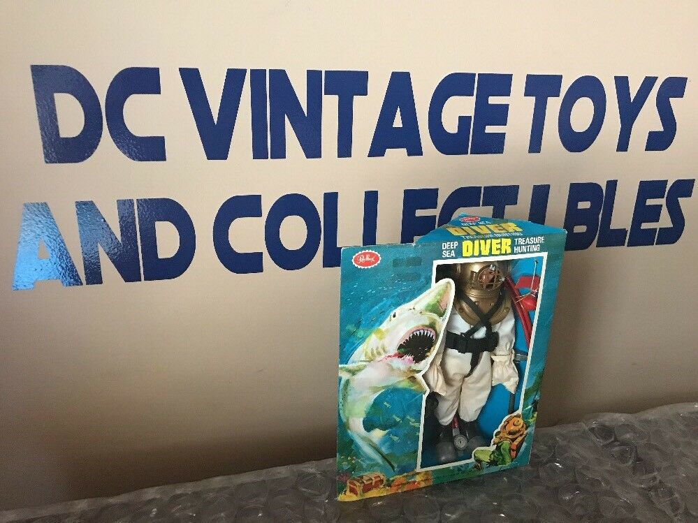 1970's VINTAGE Scarce Redbox Deep Sea Diver Treasure Hunting Factory Sealed