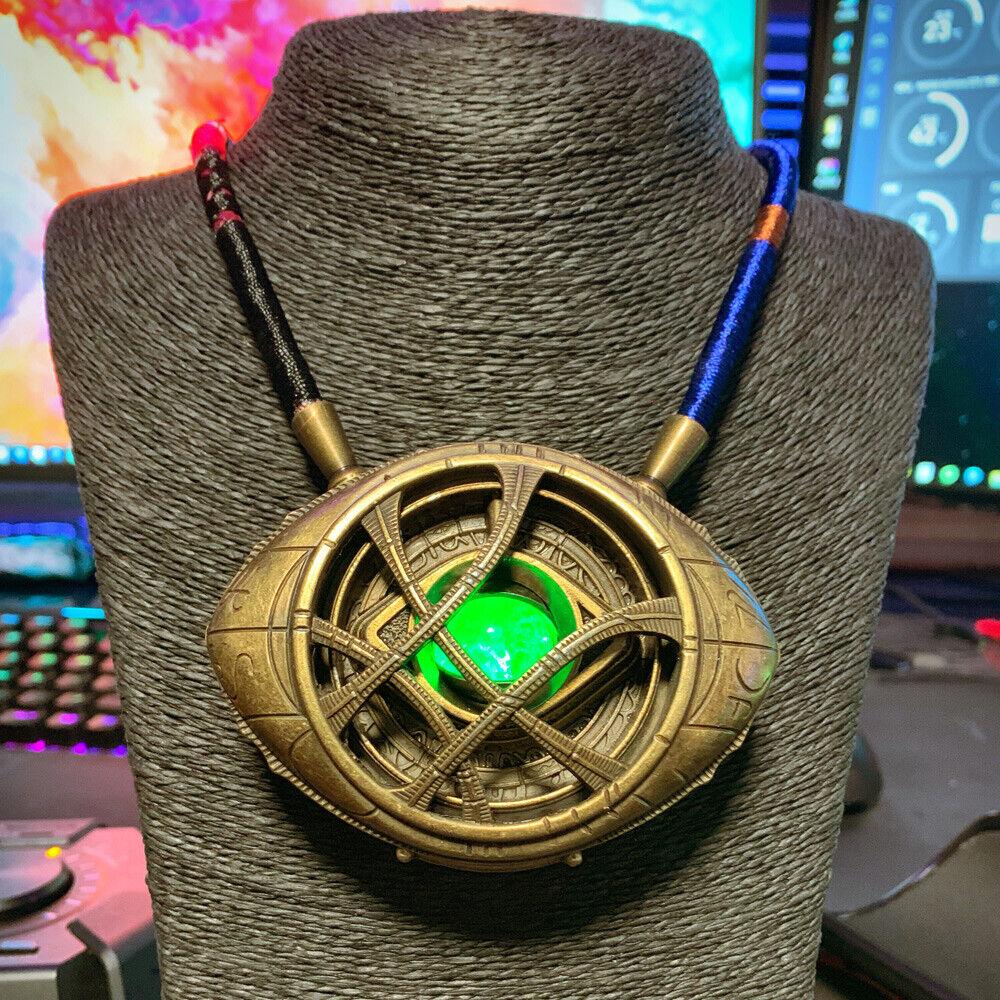 Doctor Strange Ojo de Agamotto 1 1 Luz LED colecciones de metal pintado Collar