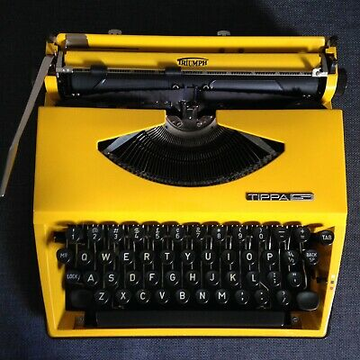portable typewriter Triumph Tippa S Green typewriter with case working typewriter green
