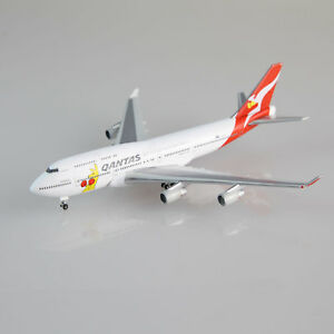 Qantas-Boeing-747-400-Boxing-Kangaroo-1-500-scale-die-cast-model-747-aircraft