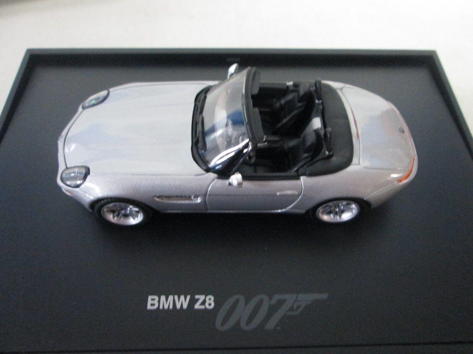 Minichamps BMW Z8 1 43 Dealer Edition James Bond 007 Edition