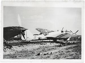 Zerstoerte-russische-Kampfflugzeuge-Orig-Pressephoto-von-1942