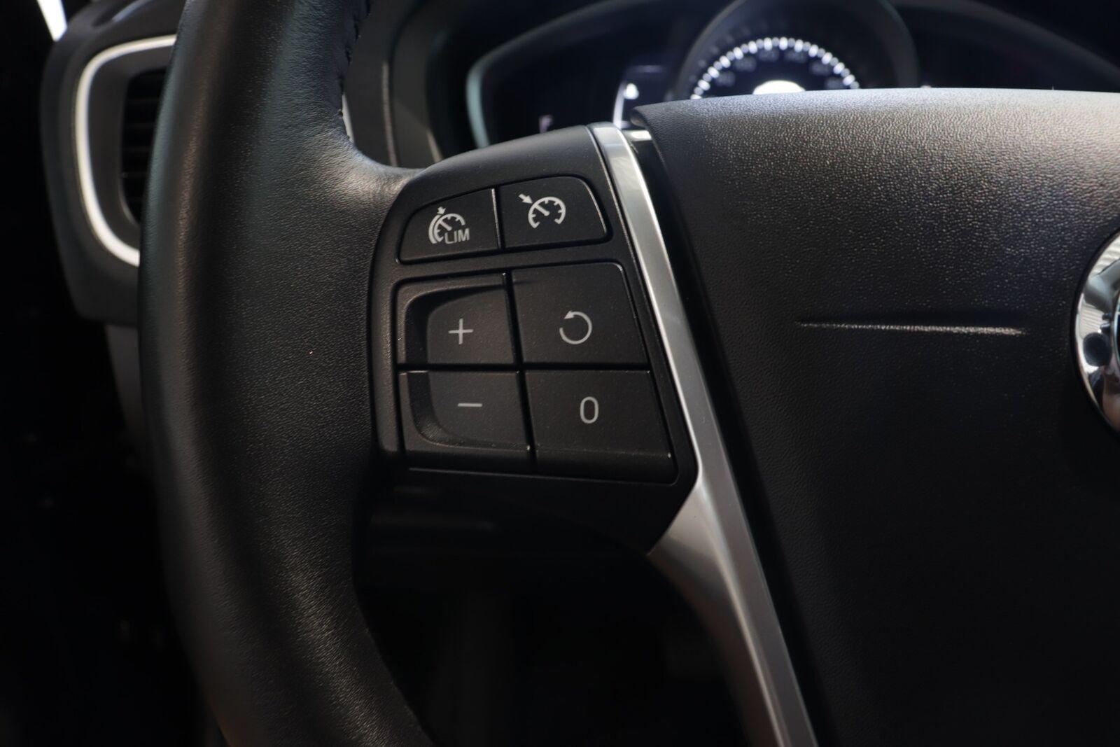 Volvo V40 D3 150 Momentum aut.