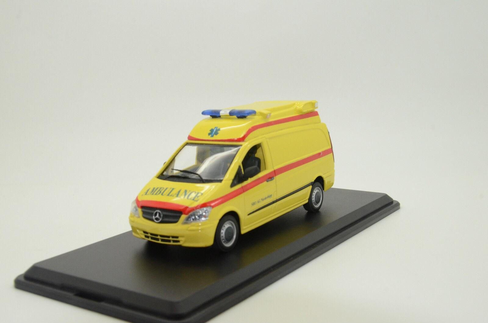 Rare    Mercedes Vito Ambulance Custom Made 1 43