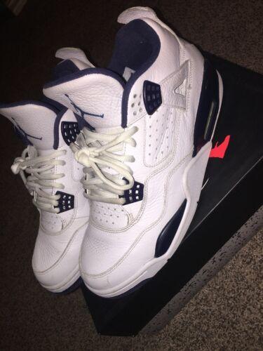 Retro Jordan 4 legend blue