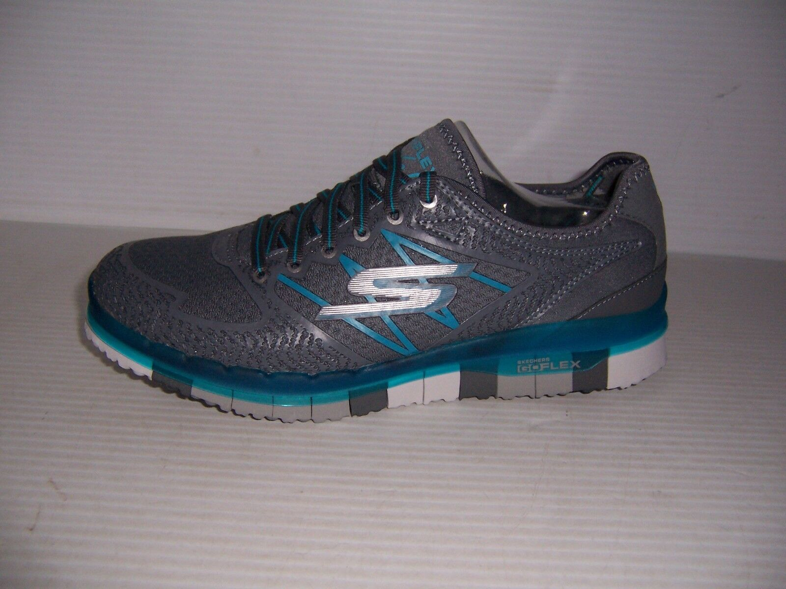 Skechers GO Flex Momentum Womens Charcoal  bluee Lace Up Walking shoes Size 6 New