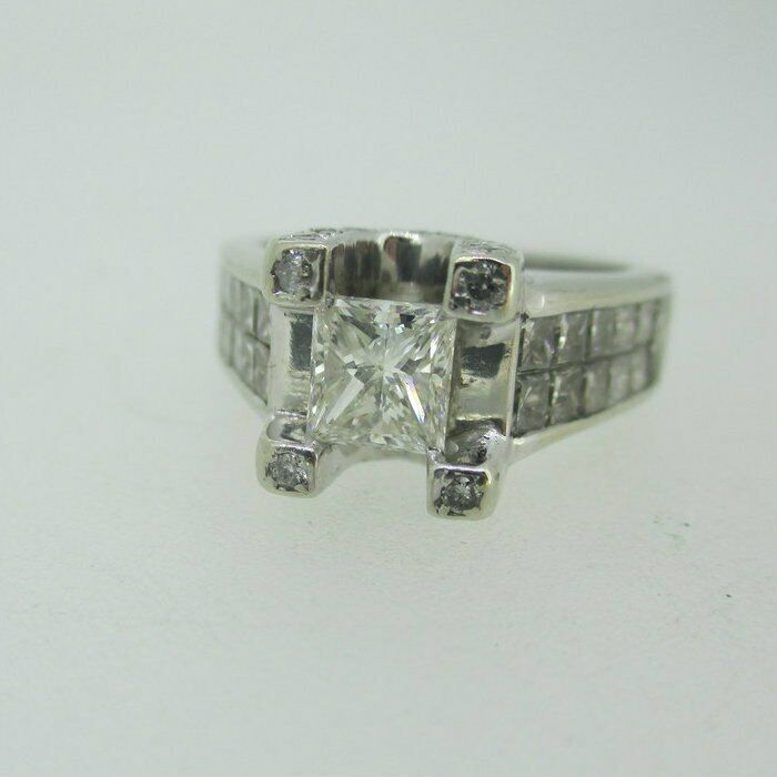 14k White gold Approx .40ct Princess Cut Diamond Ring with Diamond Accents Size