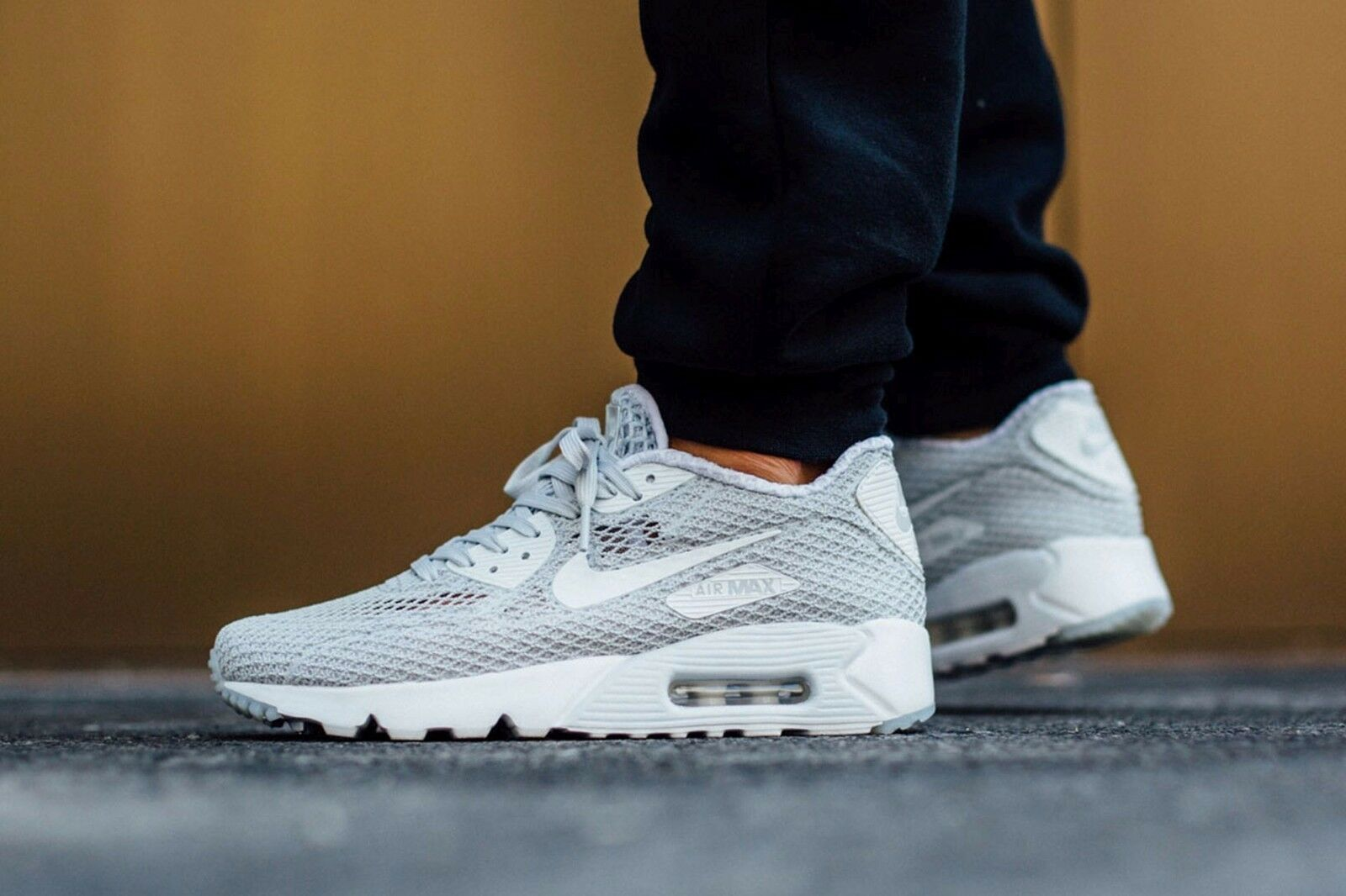 Nike Air Max 90 Ultra BR PLUS QS Mens Sz 10 Platinum White Racer 810170-001