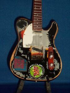 THE CLASH PAUL SIMONON FENDER BASS Miniature Guitar 24cm Tall
