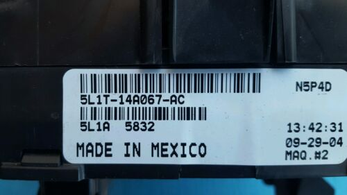 03 04 05 Navigator Expedition Fuse Relay Box Power Distribution 5L1T-14A067-AC