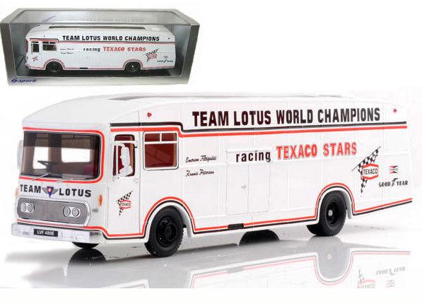 Spark S1774 Lotus 'Texaco' Team Transporter 1973 - 1 43 Scale