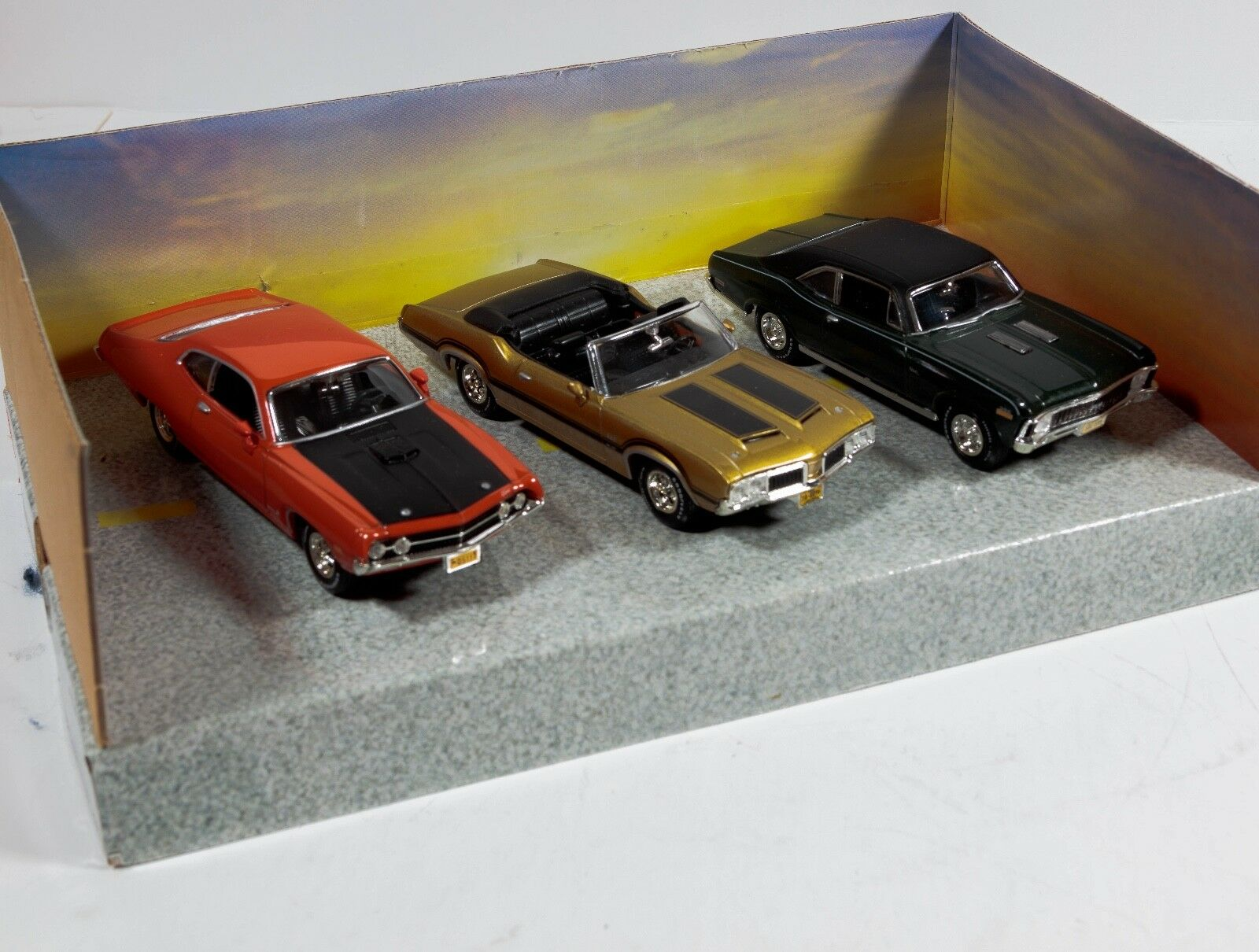 ERTL Collectibles 1 1 1 43 Scale American Muscle Class of 1970 () 1098cf