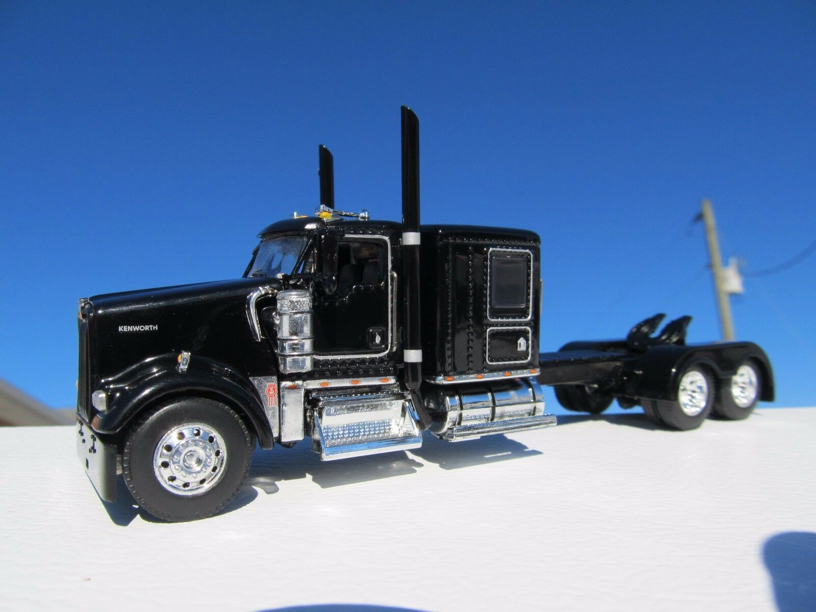 DCP 1 64 échelle W900 KENWORTH FLAT TOP noir base roue long
