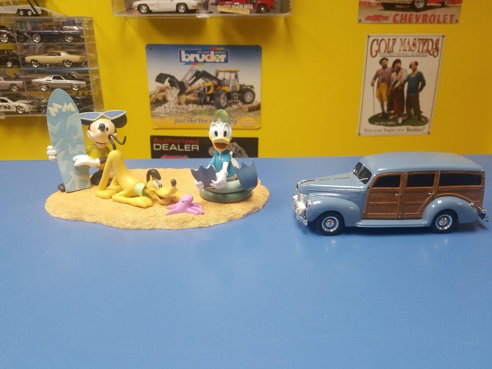 Ertl 1940 Ford Woody entrega Mickey's Día en la Jugara Edición Limitada Nuevo