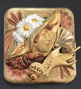 Vintage-handcrafted-collage-Lady-face-pin-brooch-in-enamel-on-gold-tone-metal