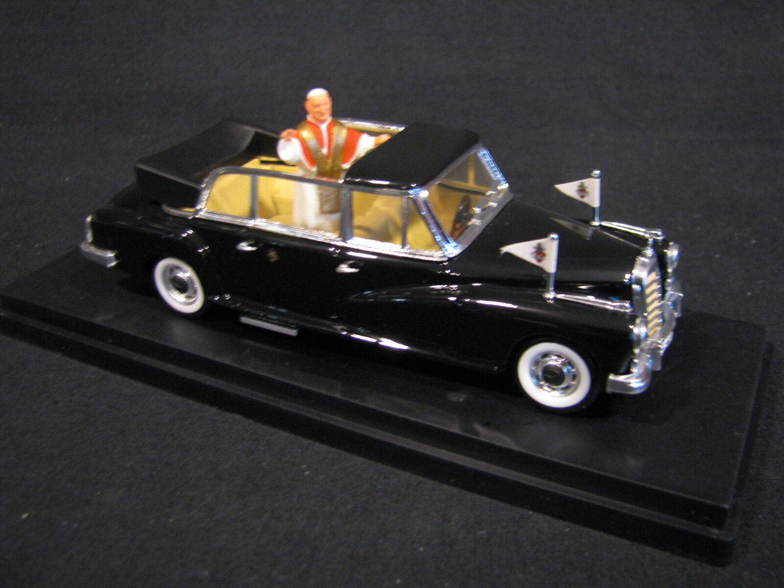 Rio Mercedes-Benz 300D Limousine 1 43 Pope Giovanni XXlll (JvM)