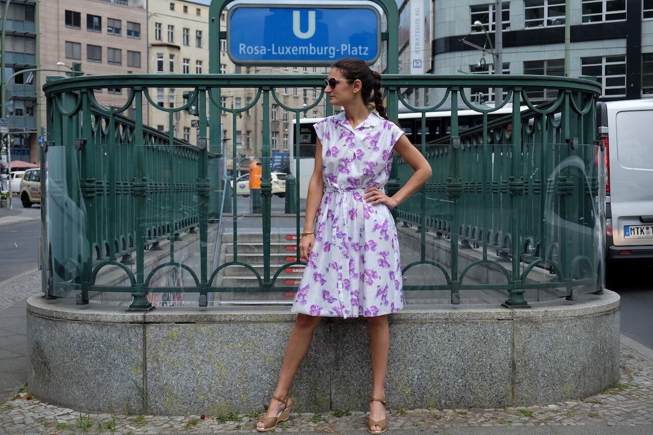 Damen Kleid dress weiß Lila Blaumen 70er Gr. 38 True VINTAGE Damenmode 70´s