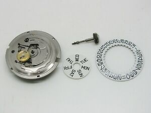 Automatic-movement-Timex-M109-with-day-amp-date-3h-spares-or-repair-man-039-s