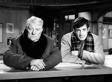 PHOTO JEAN-PAUL BELMONDO ET JEAN GABIN  - 11X15 CM  # 26