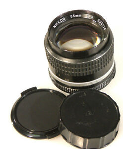 85MM-F-2-0-AIS-NIKON-LENS-WITH-FRONT-AND-REAR-CAP
