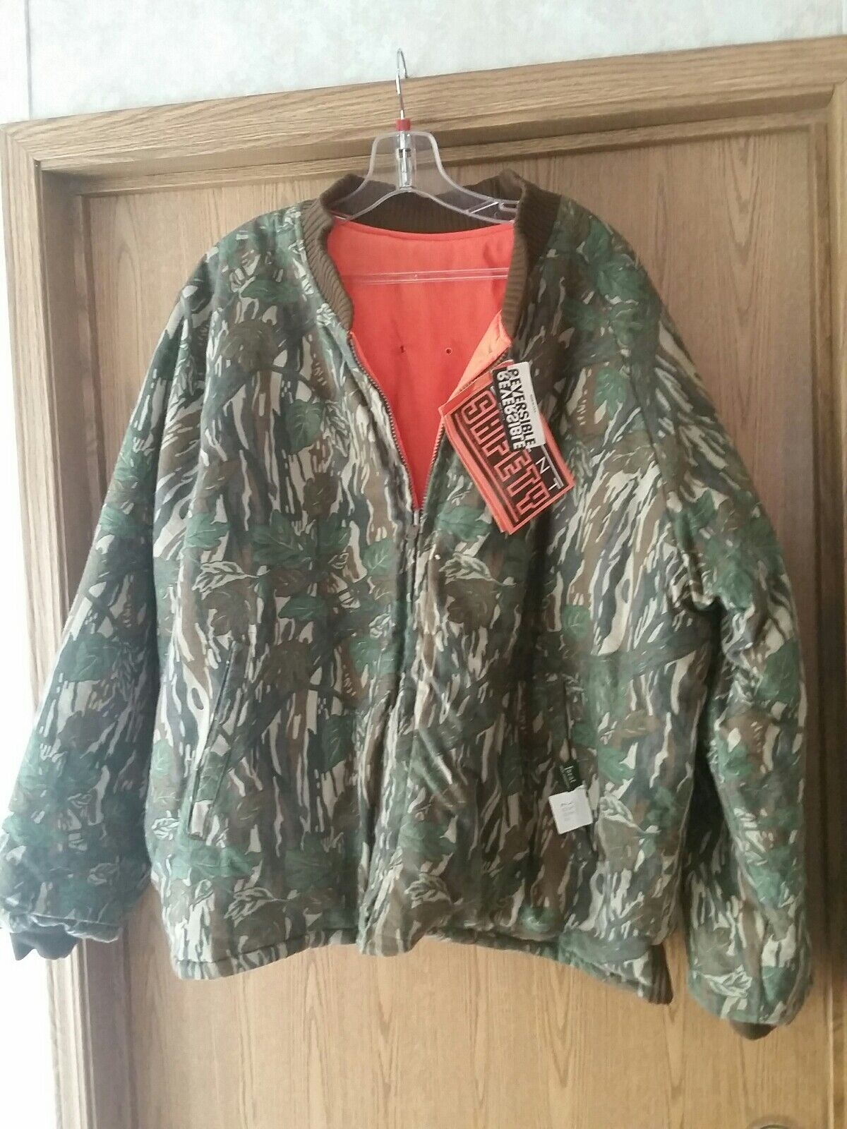 Ideal Silent Leaf Chamo Reversible Insulated Hunting Coat. Large. NWT. USA made