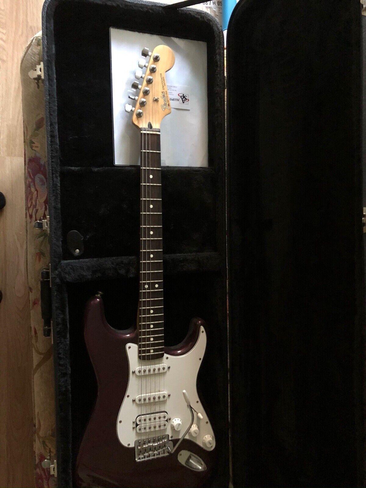 Fender Stratocaster Mexico Burgundy with Fender Hard Case