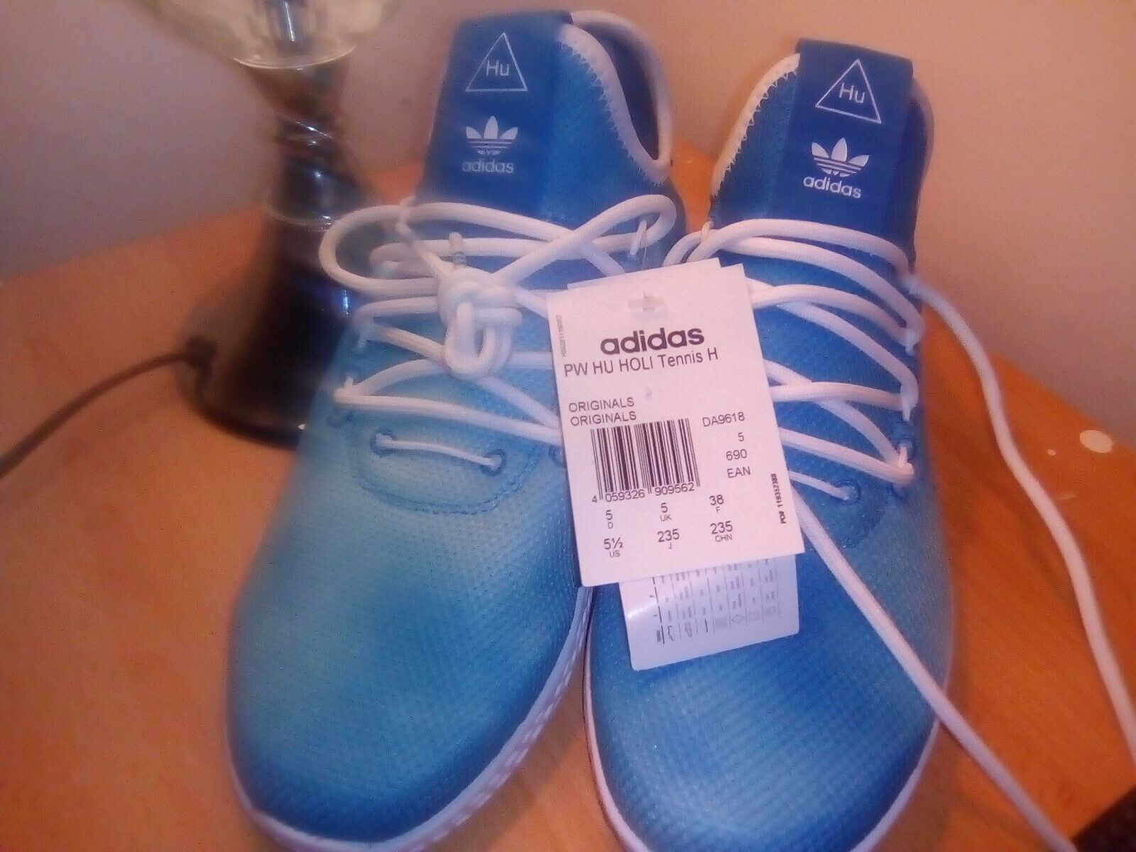 Adidas Originals Pharrell Williams Tennis HU Trainers bleu UK 5