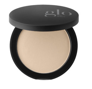 GLO 皮膚美容礦物壓制 BASE 自然中號 0.31 盎司 9 克全新帶盒