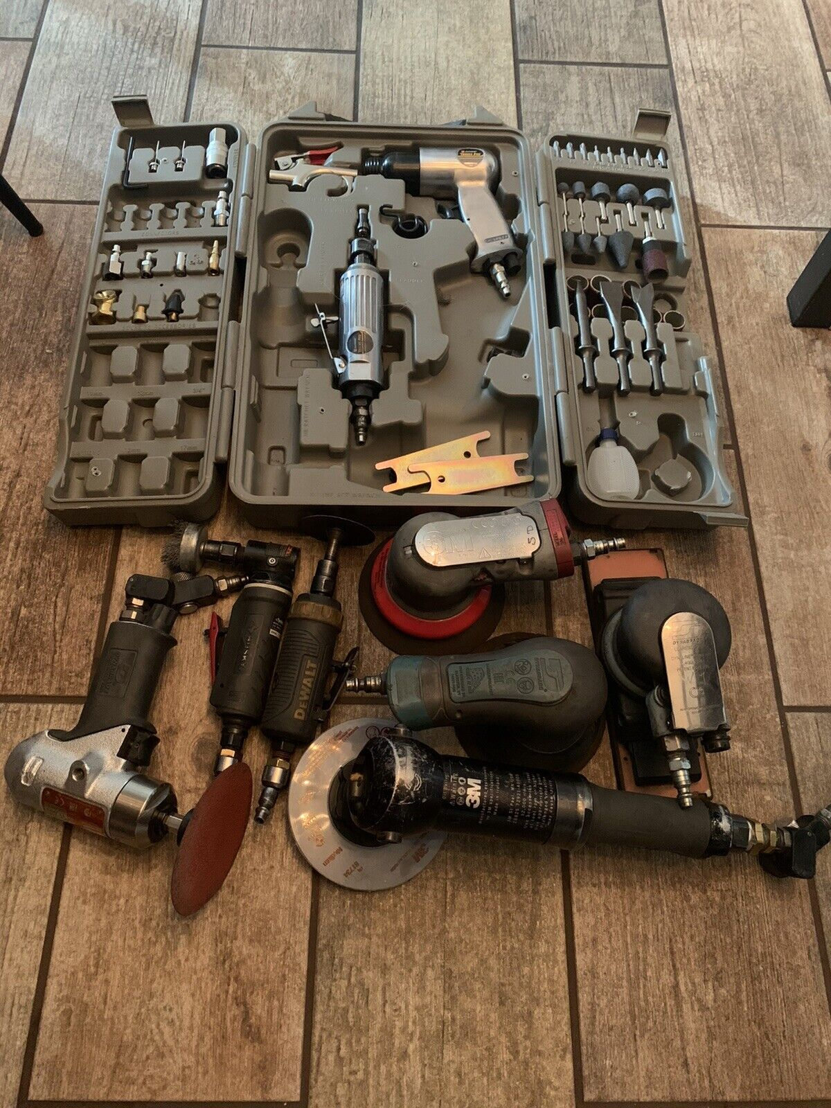 Used pneumatic tools.