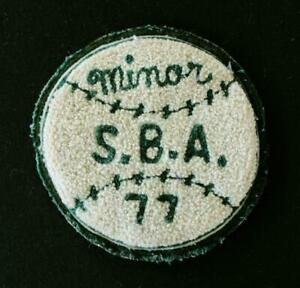 VINTAGE-1977-MINOR-BASEBALL-GREEN-AND-WHITE-PATCH-4-1-2-034-X-4-1-2-034