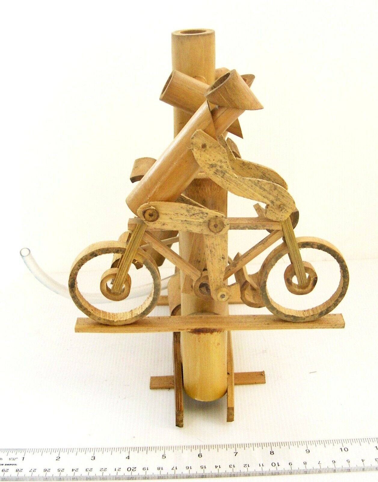 Bicicleta de bambú hecha a mano jardín Fuente De Agua Bomba de agua libre