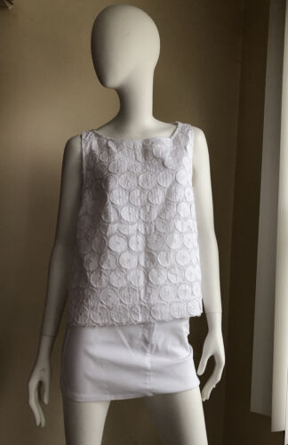 Collection Privee sleeveless white top