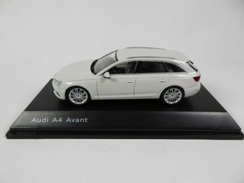 Audi A4 allroad Mythos Black 1:43 Spark Dealer Pack Modellauto Miniatur 4613