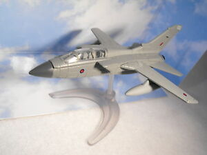 MODEL-OF-TORNADO-FIGHTER-JET-RAF-TORNADO-BOMBER-MODEL-SMALL-DIECAST-MODEL