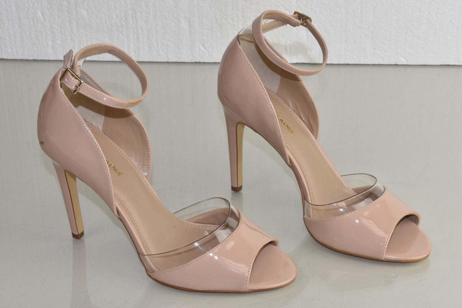 New Saks Fifth Avenue Sandals Ankle Strap NUDE Beige Patent Leather PVC shoes 9