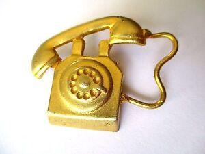 """broche bijou rétro originale téléphone ancien couleur or mat 196 - France - État : Occasion : Objet ayant été porté. Consulter la description du vendeur pour avoir plus de détails sur les éventuelles imperfections. Commentaires du vendeur : """"tous nos objets sont en bon état.Nous les vérifions mais si vous const - France"""