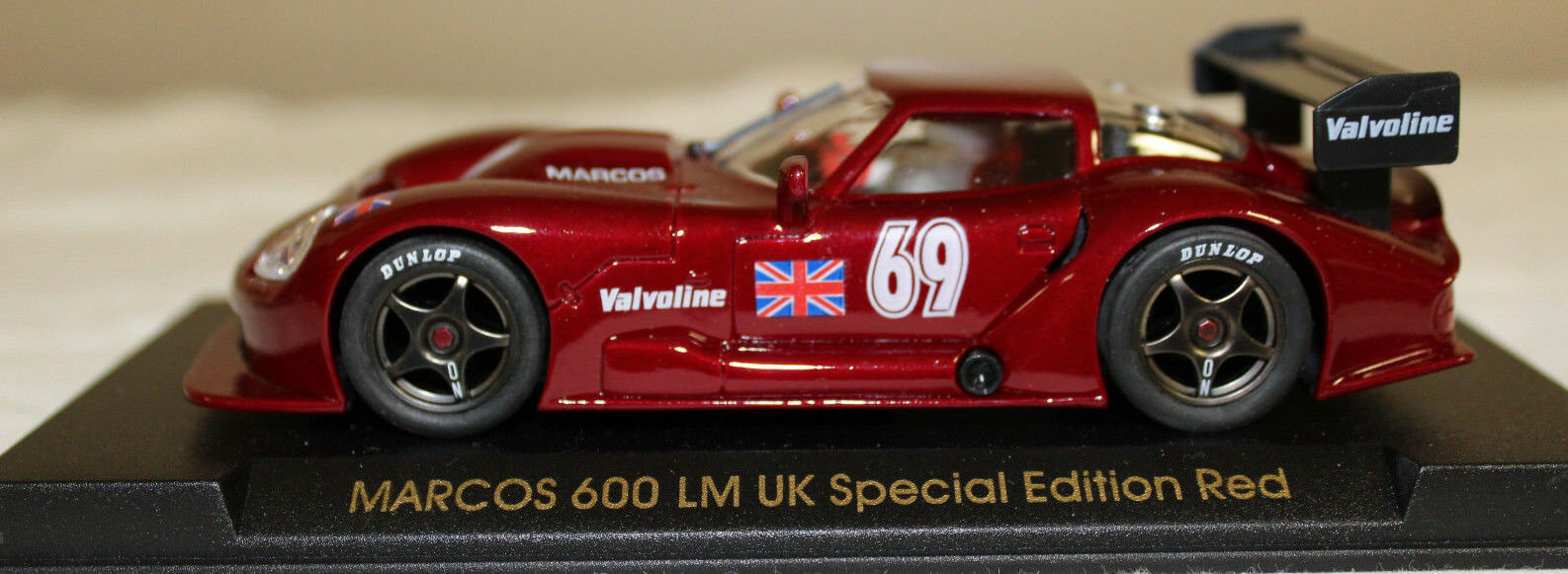 NIB Sällsynta flygaga MARCOS 600 LM UK särskild Edition röd 1 32 Slot bil