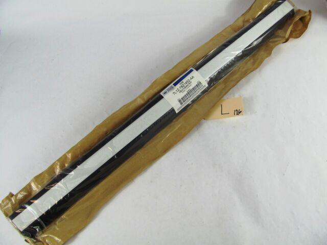 FORD OEM Front Door Window Sweep-Belt Molding Weatherstrip Right 7L1Z7821452AA