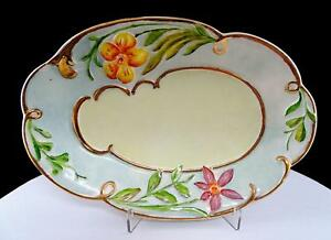 HOLLAND-MOLD-PORCELAIN-HAND-PAINTED-FLORAL-AND-GOLD-9-3-4-034-SCALLOPED-DISH
