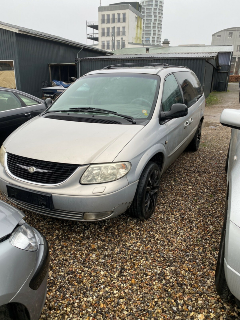 Chrysler Grand Voyager, 3,3 Limited aut., Benzin, 2002, km…